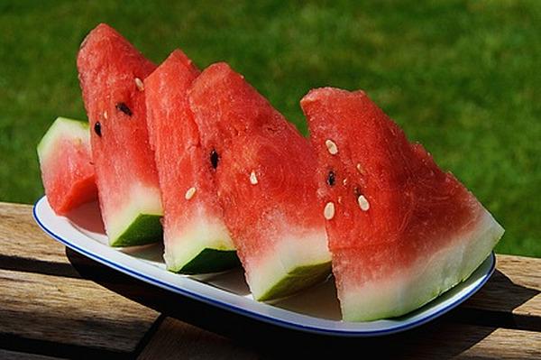 Диетолог рассказала об опасности поедания зеленой части арбуза и дыни