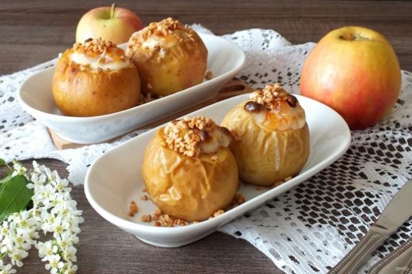 Яблоки запеченные со сметаной