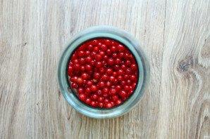 Настойка на красной смородине - фото шаг 2