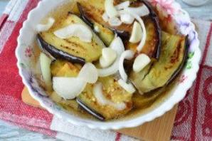 Маринованные баклажаны с чесноком и луком - фото шаг 6