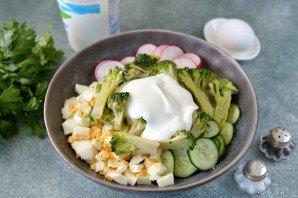 Салат из брокколи и редиса - фото шаг 6