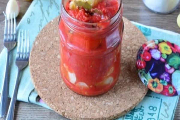 Маринованный перец в томате