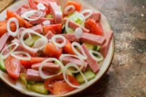 Салат с ветчиной, помидорами и базиликом - фото шаг 5