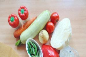 Овощное рагу со стручковой фасолью и кабачками - фото шаг 1
