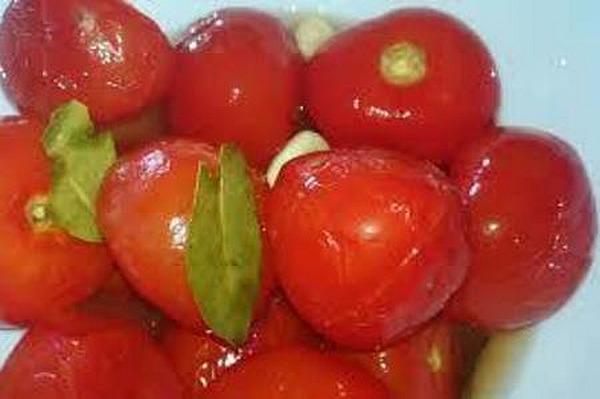 Фото к рецепту: Быстрые помидоры в пакете
